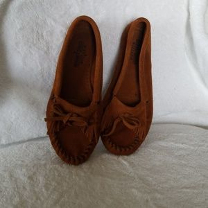 Like new moccasin